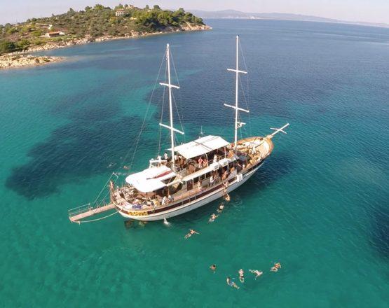 Toroneos Cruise